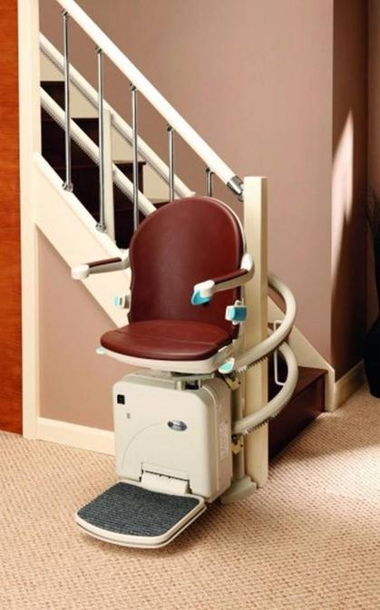 foto montascale per disabili installato a verona